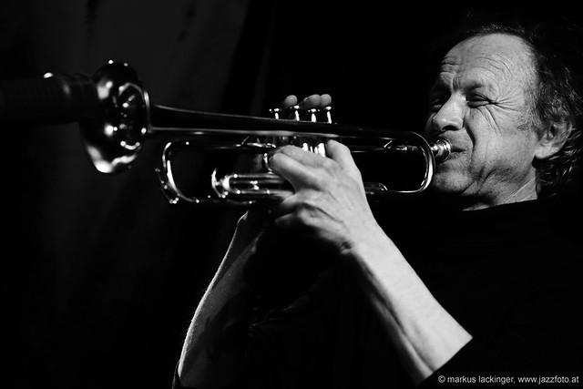 Franz Hautzinger: trumpet, electronics