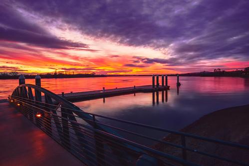richland kennewick pasco tricities washington howardamonpark howardamon sonya6000 sony a6000 columbiariver river waterscape sunrise sky skyscape dock reflection