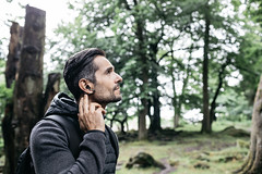 Ear_Duo_Lifestyle_Male_6