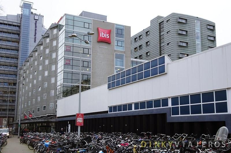 Hotel-Ibis-Amsterdam-Centre-001