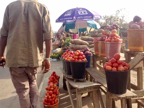roadsidemarketinushafabridge abuja nigeria jujufilms tomatoes africanyams
