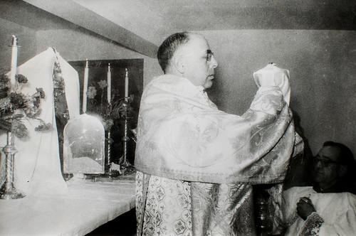 24 de noviembre, San Juan de la Cruz [4] - Jesús Sacramentado ya está en su casa.