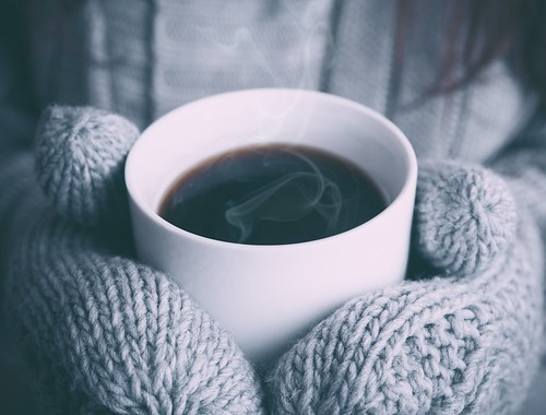 winter-liquid-coffee-white-photography-warm - Must Link to https://coffee-channel.com | by Coffee-Channel.com
