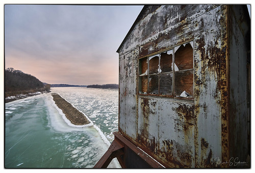 iceflow missouririver latybridge mtkbridge missouri nikon d850 boonville