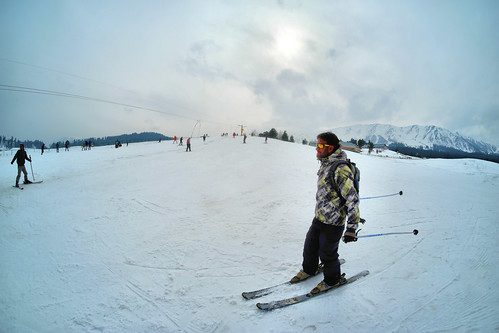 winter landscape skiing kashmir snowboarding gulmarg adventuresports travel india nature