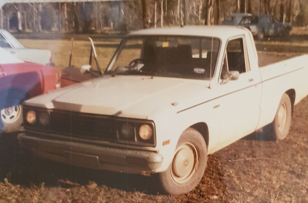 MAZDA B1600 at Rossmore NSW. LUT011. 1981. This Ute died in March 1987 with 219K on the clock. My first vehicle with the LUT 011 plates. purchased November 77 from Kensington Mazda. Had just completed the Swiss National Day Rally, with a fellow courier dr