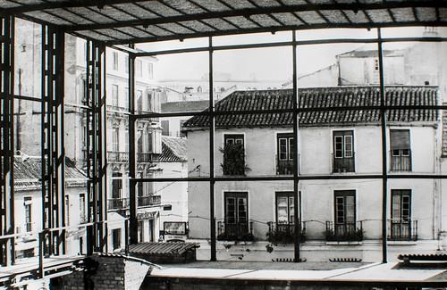 15 octubre 1963 [3] - Empieza la última fase. Ladrillo y cemento van distinguiendo las tribunas, escaleras, plantas...