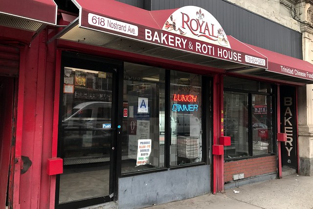 土, 2018-02-24 11:06 - Royal Bakery & Roti House