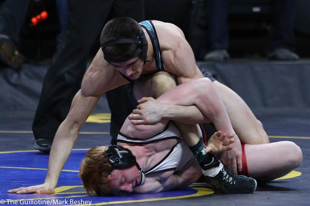 138A 5th Place Match - Alex Borsgard (Windom-Mountain Lake) 40-6 won by major decision over Owen Bjerga (Staples Motley) 38-7 (MD 16-7) - 180303bmk0067