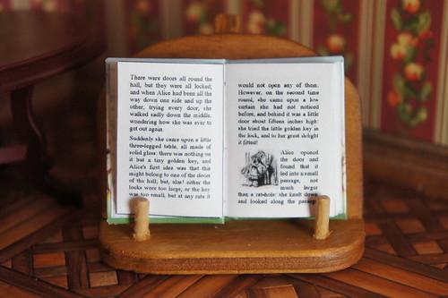 Alice's Adventures in Wonderland   by GreenEyes87)