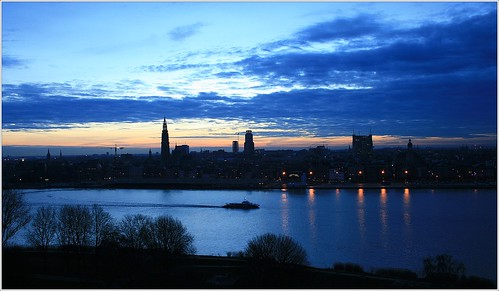 belgium antwerp sunrise winter clouds sky skyline city architecture riverscheldt water ships boats waterbus trees reflections