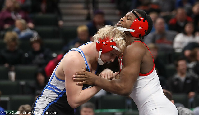 1st Place Match - Isaiah Thompson (Detroit Lakes) 45-6 won by decision over Justin Henry (Foley) 40-14 (Dec 7-5). 180303CMC7072