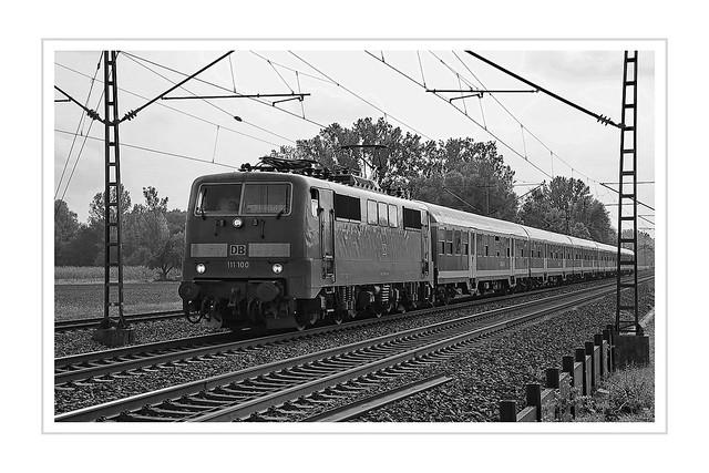 Train 111 100