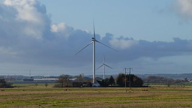 Huge wind turbines
