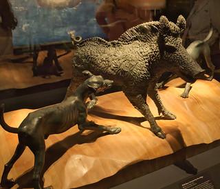 Wild boar attacked by two dogs, bronze, Casa del Citarista