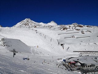 View of Piste 36 on Tiefenbachgletscher | by A. Wee