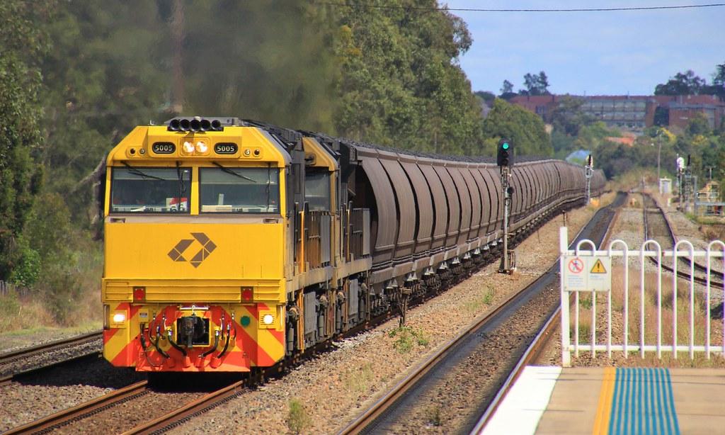 5005 and 5025 lead a loaded BW948 Aurizon coal through Metford by bukk05
