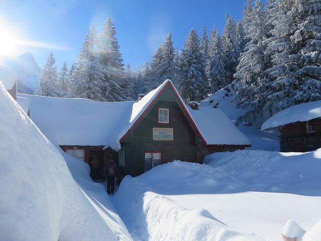 Valea Sambetei Hut