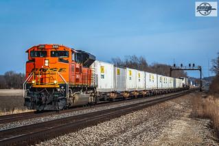 Westbound BNSF Intermodal Train at Floyd, MO | At 1,369 feet… | Flickr