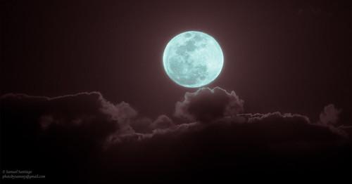 canon7d canonef400mmf56l moonrise eastcoast florida newsmyrnabeach photography lightroomcc moon bluemoon clouds tripod timer eos beach ounceinabluemoon blue night landscape