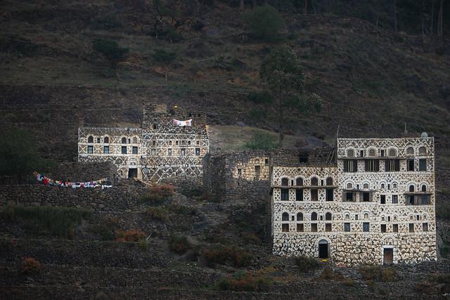 Yemen: maisons dans le djébel Haraz.