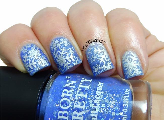 ... Snowflakes nails | by Simona - www.lightyournails.com
