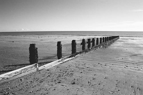 Bognor Beach Late December 2017   by anthonyc1963