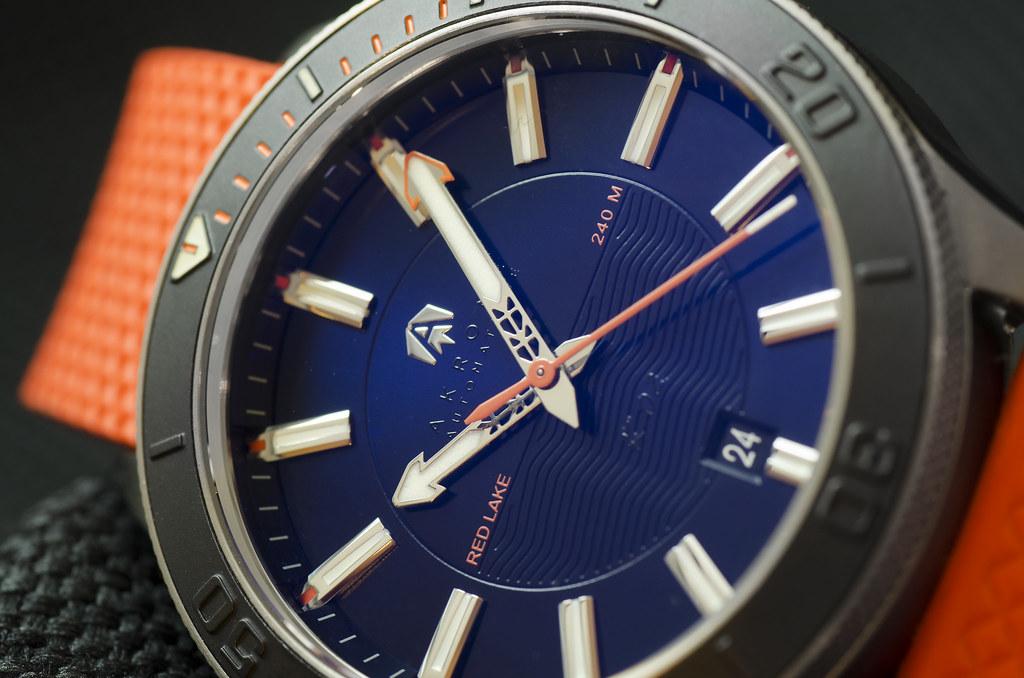 Akrone : des montres, tout simplement 26185415248_541df0a3df_b