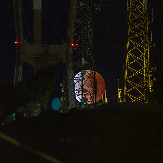 Super Blood Moon and Sutro Tower