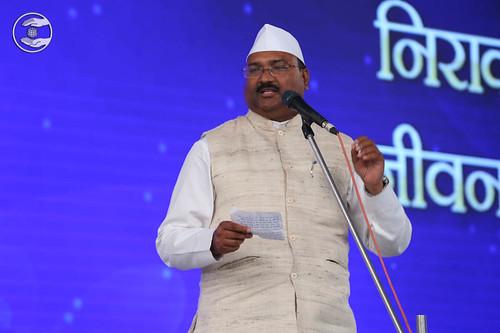 Hindi poem by Kapil Kumar Saroj from Panvel