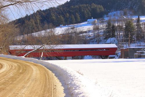 us usa vt vermont unitedstates coveredbridge bridge pontcouvert pont winter snow