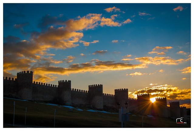 Murallas de Ávila al atardecer.