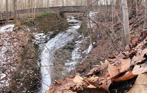 buttermilk buttermilkfalls cleveland ohio oh creek fall waterfall bridge metroparks