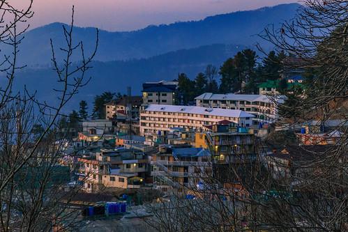 murree khyberpakhtunkhwa pakistan pk punjab islamabad islamabadcapitalterritory rawalpindi golden blue hour dusk light sunset cityscape nightscape landscape urban rural canon 6d yellow himalayas mountains hills