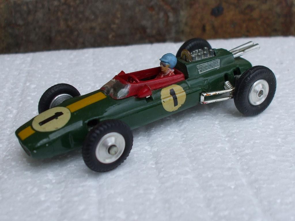 40847e0823eb ... Vintage Corgi Toys 155 Lotus Climax Formula 1 Racing Car British Racing  Green   Yellow