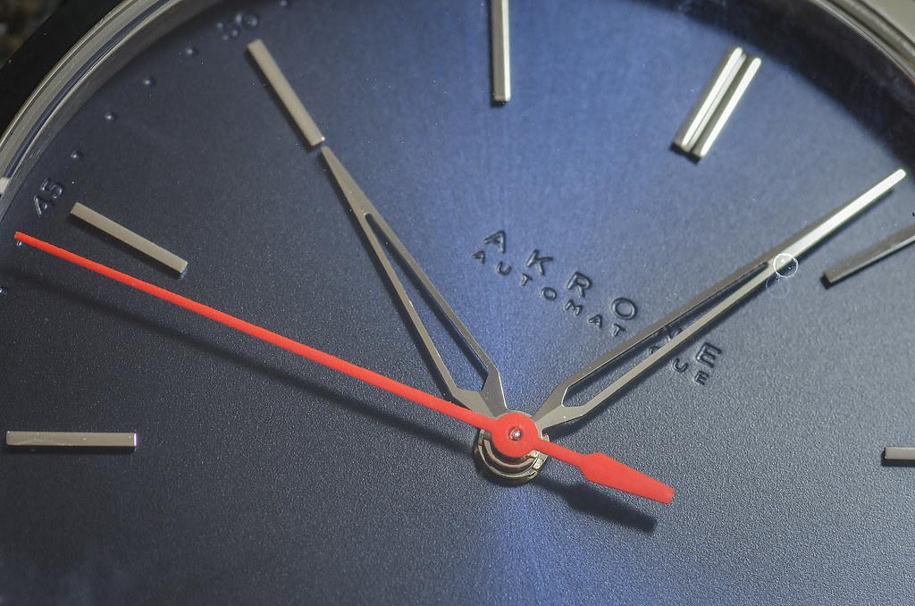Akrone : des montres, tout simplement 39158643785_6fca858f42_b