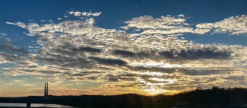 shotoniphone apple iphone7plus iphone7 iphone outdoor sky sun clouds newalbany indiana water river sunset