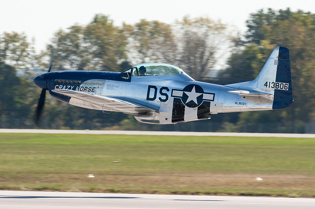 North American P-51 Mustang NL351DT