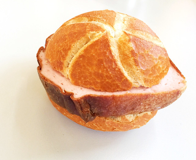 Meat loaf bun / Leberkässemmel
