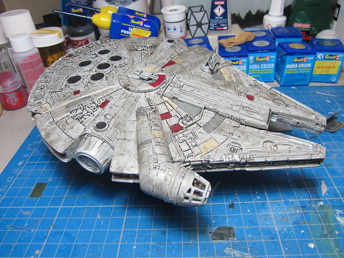 Revell_Millennium_Falcon_Build_wipd_5 | by dermot.moriarty