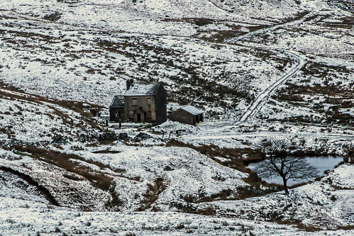 snow pennine craighannah canon photography hills westriding yorkshire england uk january 2018 saddleworth derelict derelectbuilding abandoned decay house barn tree weather winter