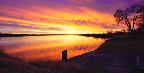 richland wa washington tricities kennewick pasco columbiariver sunrise morning bright colorful sky waterscape river sun