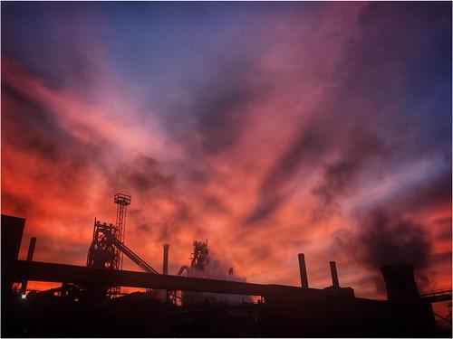 morning sunrise sunlit sun sunlight clouds sky furnaces industry silhouette colour scunthorpe lincolnshire northlincs northlincolnshire nlincs