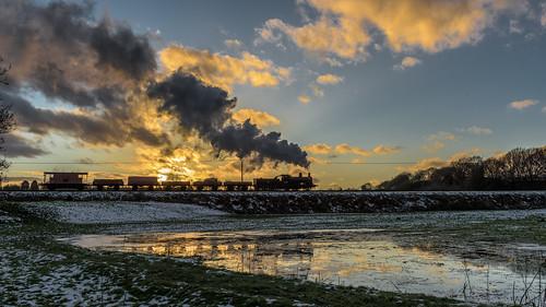 52322 eastlancsrailway england europe exly exlms goodstrain heritagerailways northwest pregroupinglms railways steam sunset transport unitedkingdom burrscountryparkbury lancashire gbr 3p20parcelsgroup