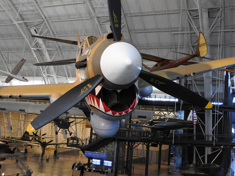 Curtiss P-40-E Kittyhawk 5