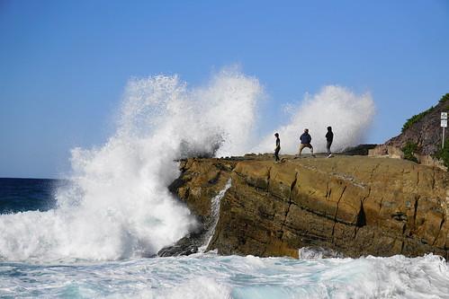 ocean california waves rocks surf tides seag beach lagunabeach hightide
