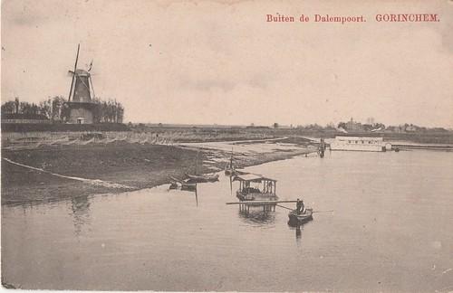 Ansichtkaart - Buiten de Dalempoort - Gorinchem (Uitg. J.M. van Eck, Gorinchem)