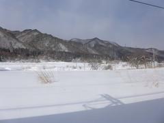 当駅と会津高原尾瀬口駅の間はひたすら山の中を走る