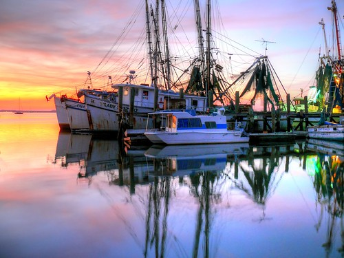 shrimpboats night nightshot dark fernandinabeach florida pier dock moored fisherman fishing boats water reflection