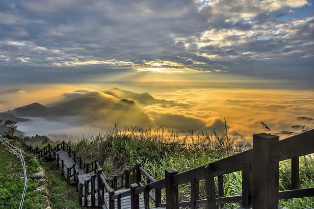 隙頂傳說 ~斜射光雲海~ Sunset